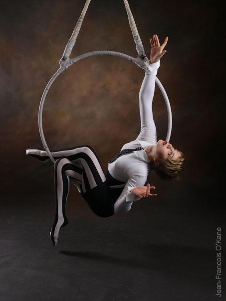 photos of masha terentieva  circus artist